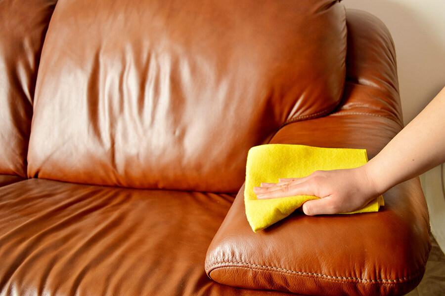 Cách giặt sofa da