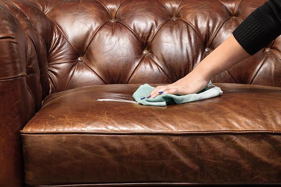 làm sạch ghế sofa da hiện đại